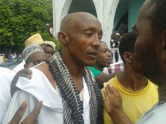 Violence politique et barbare dans une mosquée
