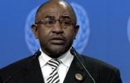 Les ex-chefs d'État rendent les passeports diplomatiques