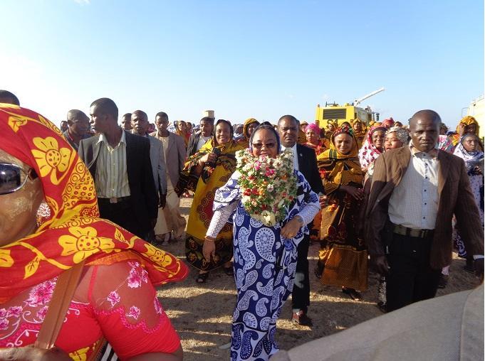Du saré pour la Première Dame à Mohéli ce 20 novembre