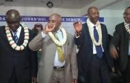 Azali Assoumani veut réduire le salaire des Anjouanais