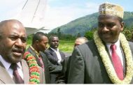 Azali Assoumani bénit le séparatisme tel en 1999-2006