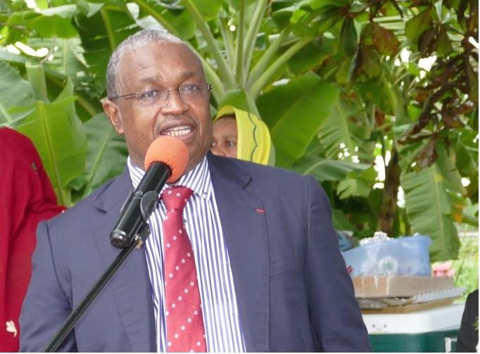 Délégués comoriens pouilleux à Paris, réalisme à Mayotte