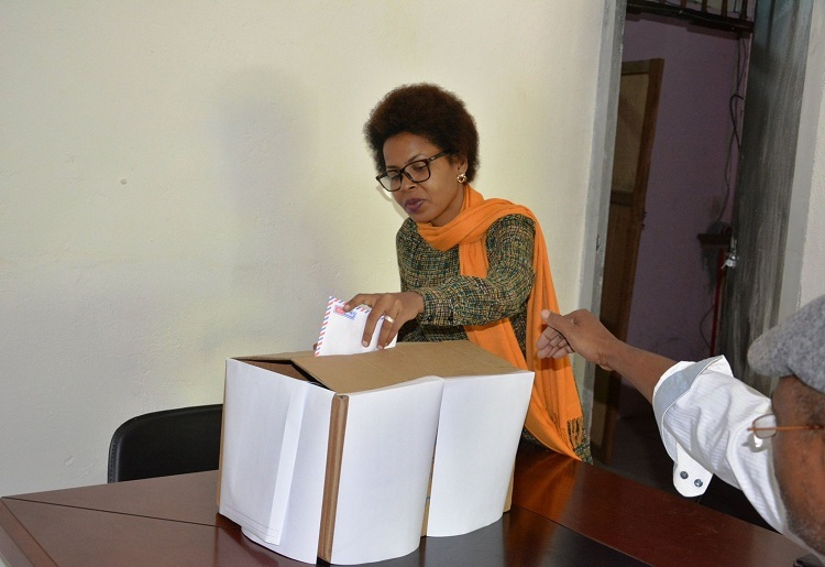 Faïza Youssouf Soulé, libérée par les bien-pensants