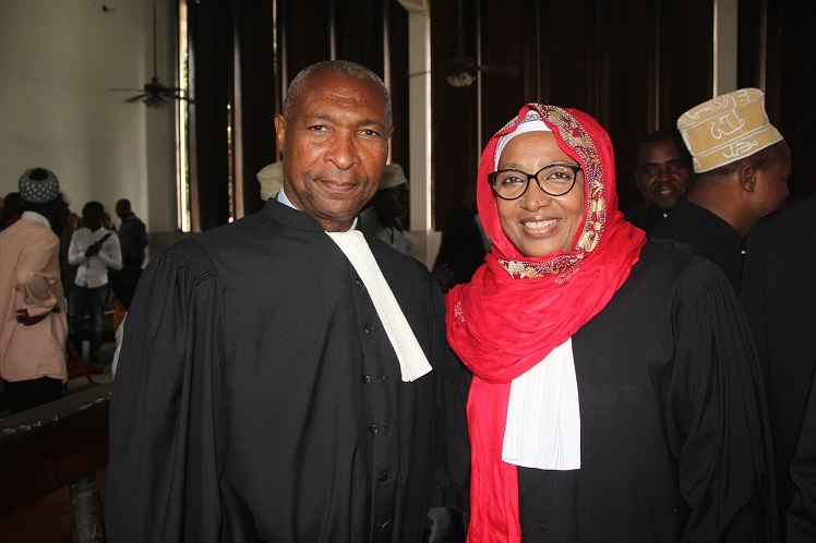 Ibrahim Ali Mzimba encule les avocats sans vaseline