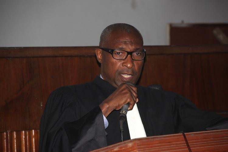 Ibrahim Mzimba verse de tardives larmes de crocodile