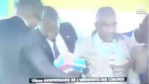 Rappel de la chute d'Assoumani Azali en février 2018