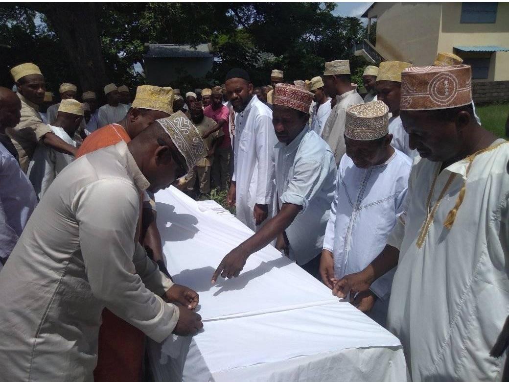 Assoumani Azali, humilié à la mosquée, à Fomboni