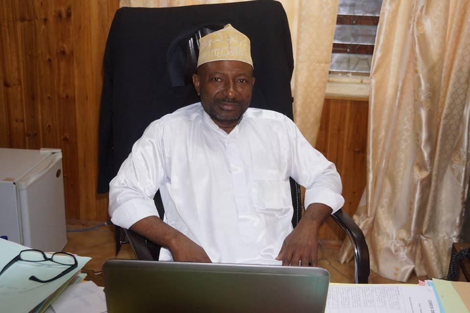 Hamadi Idaroussi gère la baise de «ses» ministres