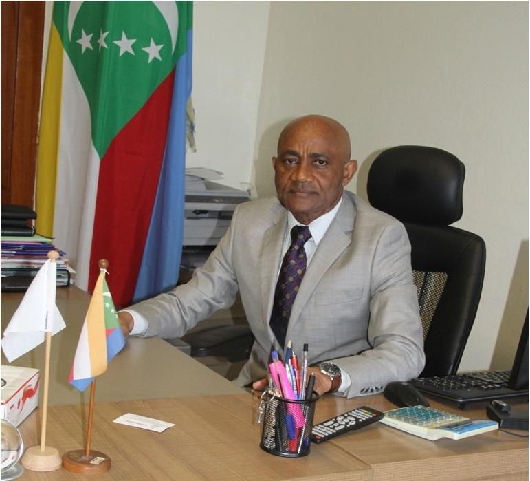 Kamaldine Souef, Directeur sans direction, ni contrôle