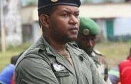 Loukmane, fils d'Assoumani Azali, gifle un Comorien