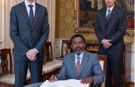 Sultan Chouzour, le ministre des Affaires étrangères?